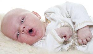 Trẻ sơ sinh 2 tháng tuổi bị ho
