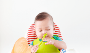 Thực đơn cho bé ăn dặm lần đầu giúp bé không bị ngán ăn