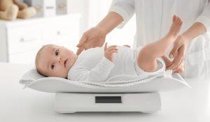 Cân nặng trẻ sơ sinh 2 tháng tuổi
