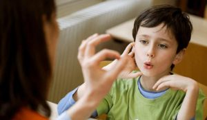 Cách dạy trẻ 3 tuổi biết nghe lời mà bố mẹ không thể bỏ qua