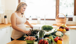 Mẹ cần chuẩn bị gì trước khi mang bầu? Mới có thai nên ăn gì?