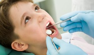 Trẻ thay răng hàm sớm có tốt không? Quy trình thay răng ở trẻ